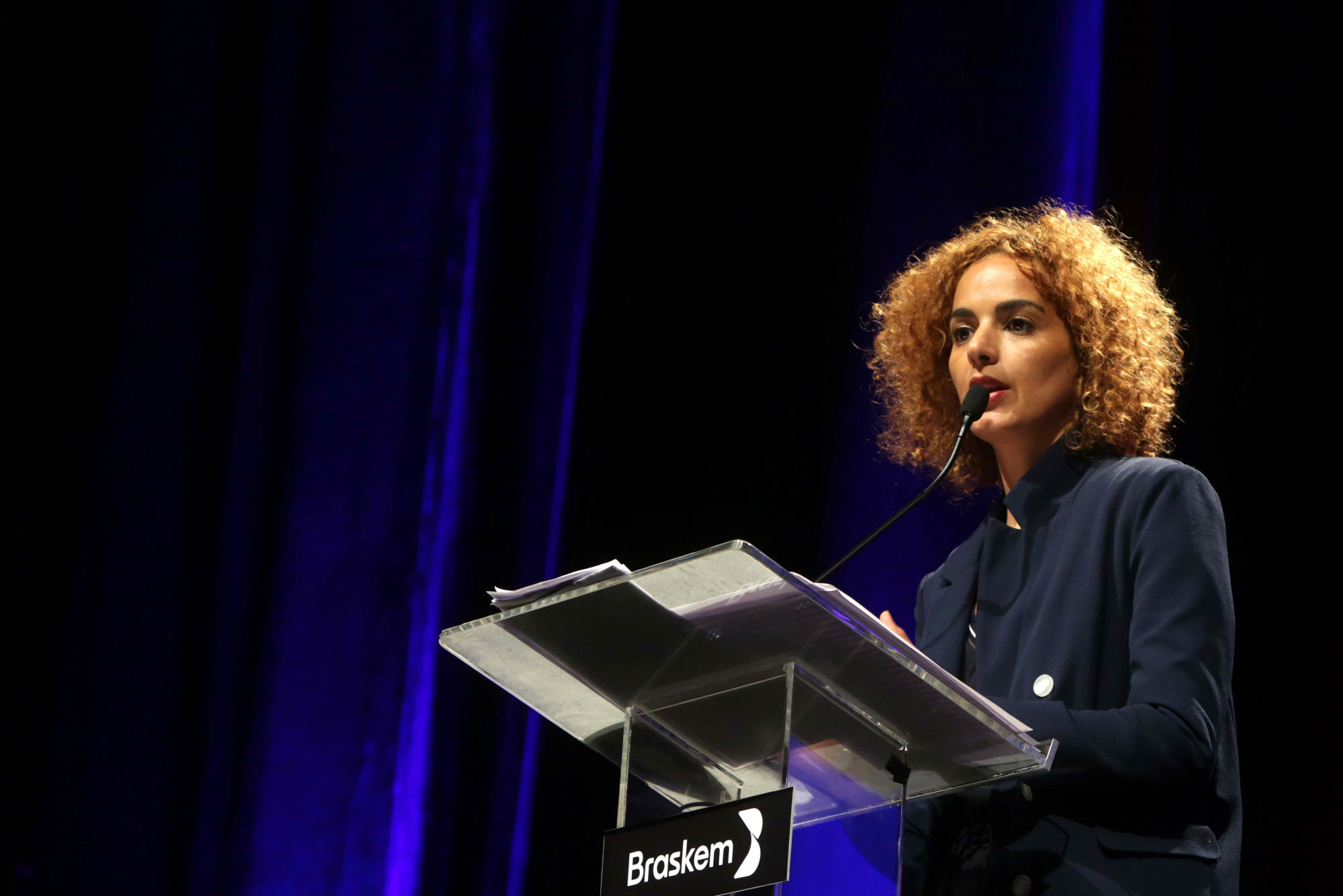 "Frontiers: ""Identity is permanence"", says novelist Leïla Slimani"