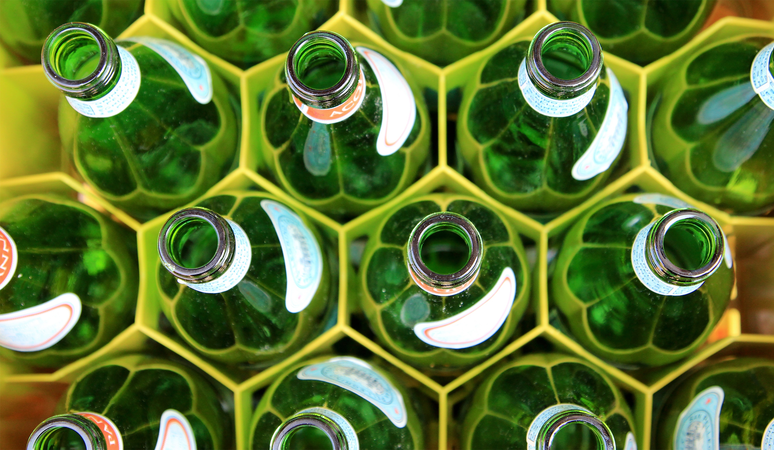 England proposes a bottle return scheme to encourage recycling