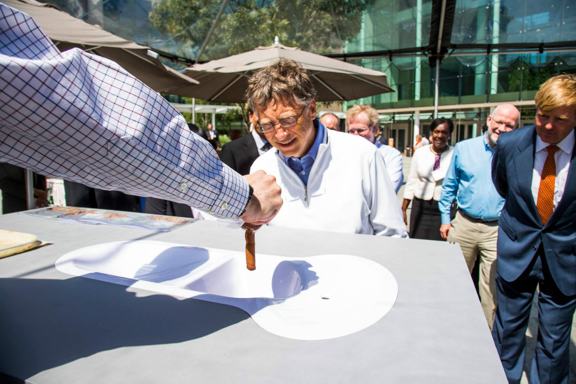 Bill Gates unveils toilet that turns human waste into fertilizer